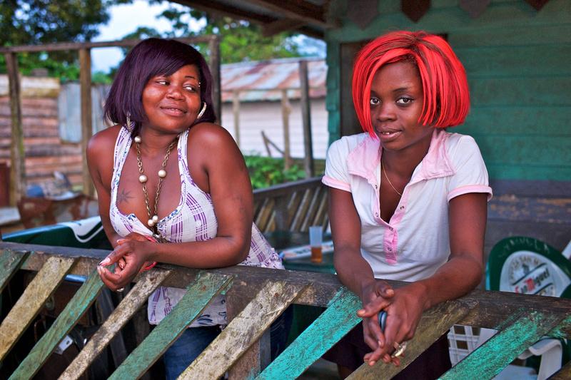Julie & Mita - Arena Blanca, Bioko, Equatorial Guinea - 2011